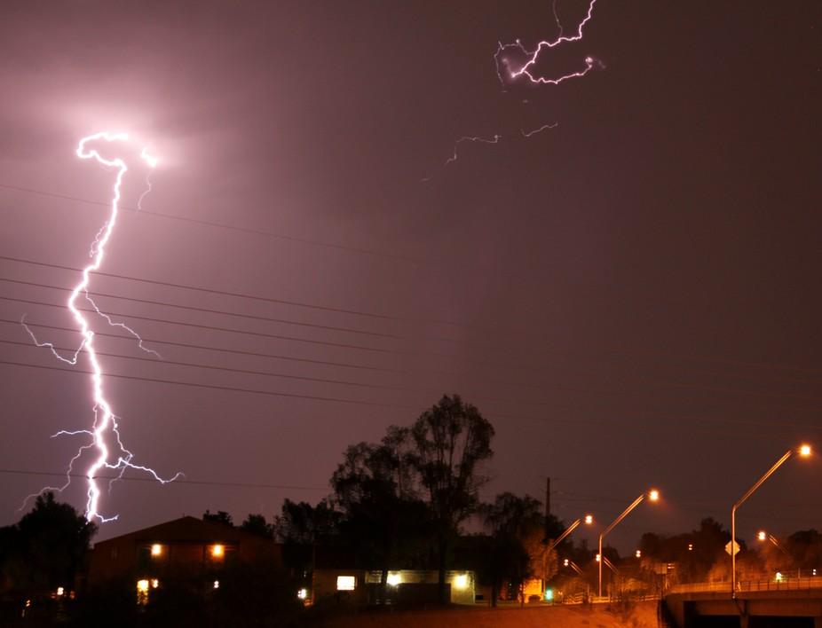 weird lightning indeed (a.k.a. sheet lightning)