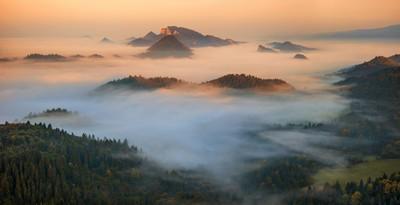 Pieniny dawn panorama