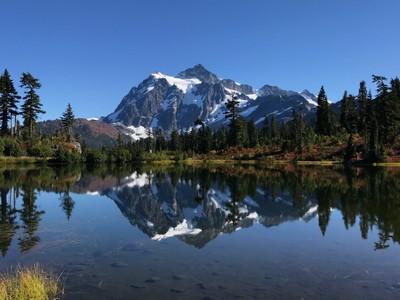 Mt Shuskan at Picture Lake