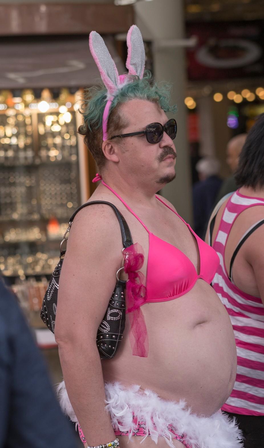 Crazy Vegas Peeps 1 - man bra