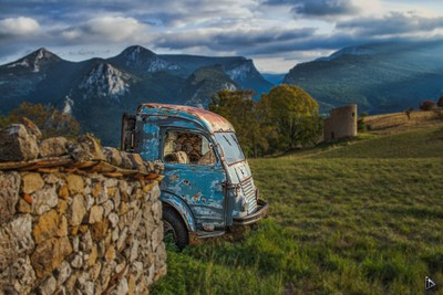 The rusty truck in the mountains
