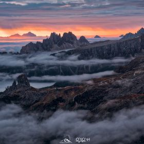 During our last workshop we waited for the dawn watching this magnificent spectacle made by incredible mountanis and an expanse of clouds that lo...