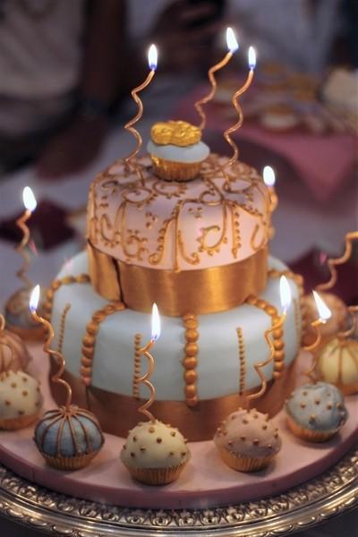 18 years old birthday cake