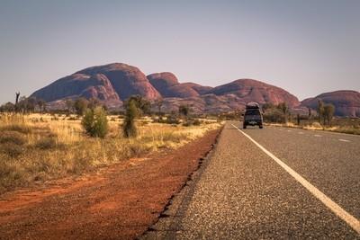 The road to Kata Tjuta