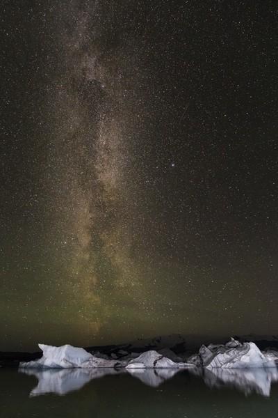Milky way at glacier lagoon