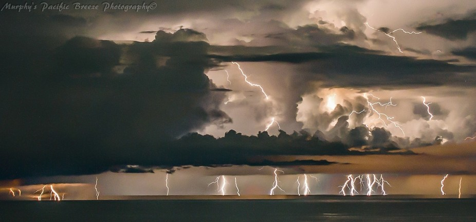 43 long exposure photos of every lightning strike 10km away over a 3 hour period. each photo was ...