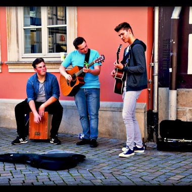 Playing in Hameln.