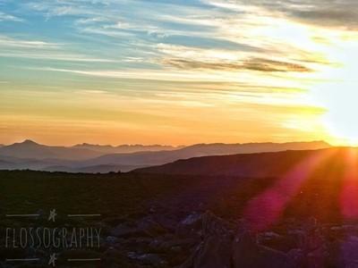 No words #sunset #mountains #mountwellington #kunanyi #Hey_ihadtosnapthat #happycaptures #discovertasmania #tasmaniagram #hobartandbeyond #instatassie #tassiepics #tassie #hobart #southerntasmania  #tassiestyle #australiagram #focusaustralia #ig_discover_