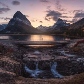 Sunset in The Swiftcurrent lake un Glacier National Park of EEUU