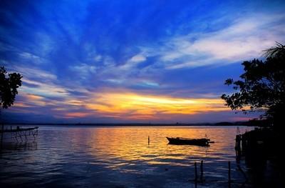 Early Night at the Kendari Bay