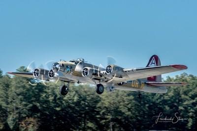 "Boeing B-17G Flying Fortress, ""Nine-O-Nine"" Airborne"
