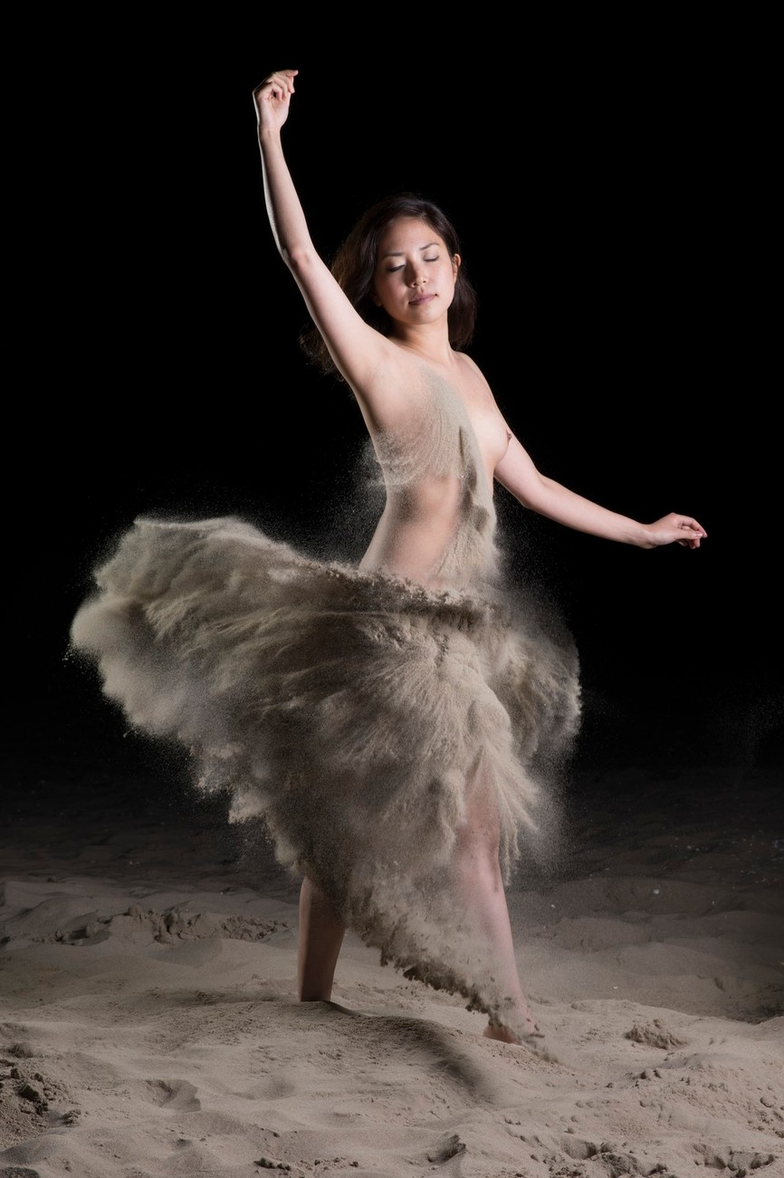 Dress of sand, created with the finest dutch sand during an evening session on the beach. Model: Miya Sato (Model Mayhem # 3559858) 20150811 comp7a