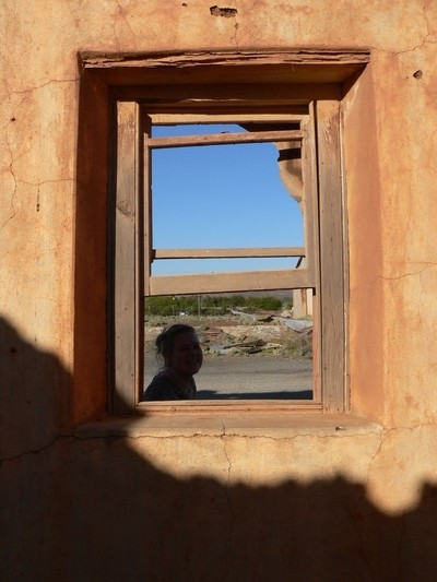 Brandkop_Girl in the window