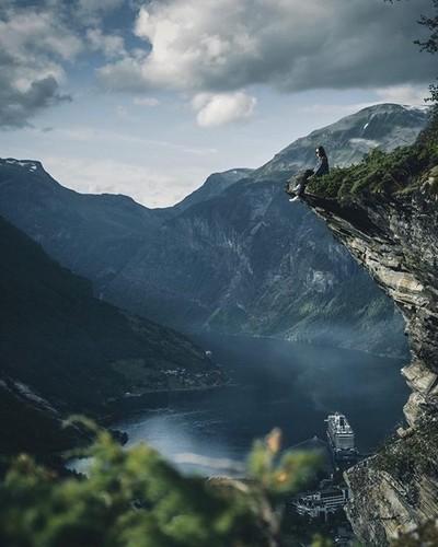 Beautiful view of Geiranger fjord #moodygrams #travel #ourplanetdaily #instagood10k #neverstopexploring #lifeofadventure #artofvisuals #aov #elementsofwild #liveauthentic #createcommune #adventure #exploreeverything #earthpix #Beautifuldestinations #weliv