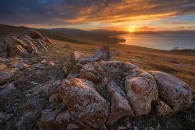 Sunset over Son-Kul lake