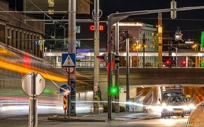 #traffic #tram #centralstation #train #citylights #citylife #lighttrails #cars #landmark #clocktower #graz #wirliebengraz #igersgraz #instagrazer #visitgraz #grazcityofdesign #grazaustria #night_shooterz #ig_world_colors #ig_worldphoto #bestshot #picofthe