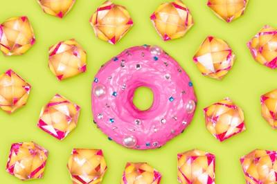 Precious donut, a minimalistic pop-art style food porn concept for sugar addicted maniacs.
