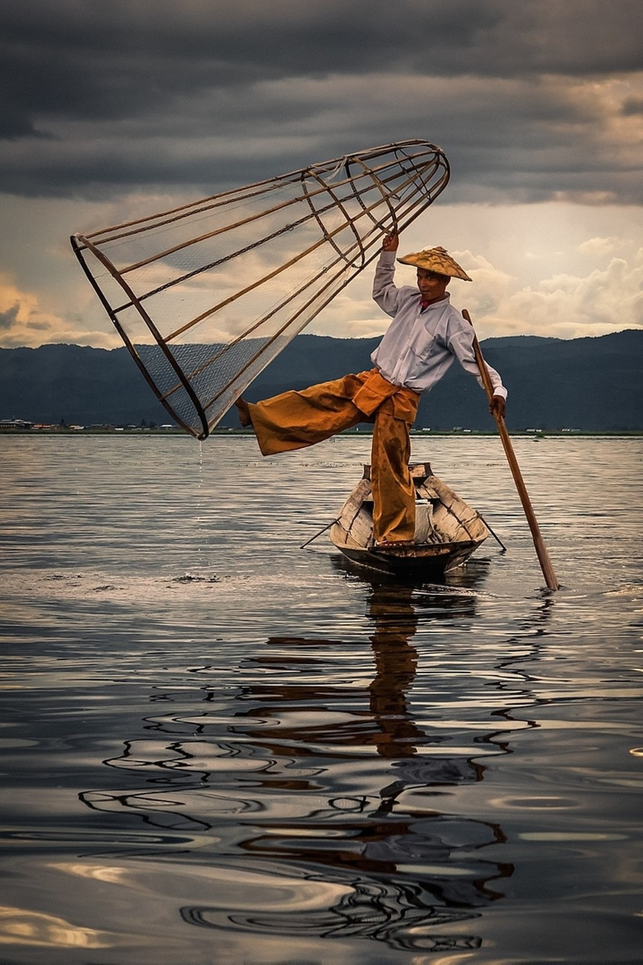 O pescador by AdCarreira - Explore Asia Photo Contest