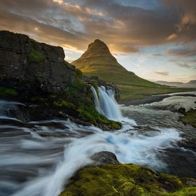 Kirkjufell was my first location in this year's Iceland trip after I arrived in Reykjavik around midday. I made the drive to the location ra...