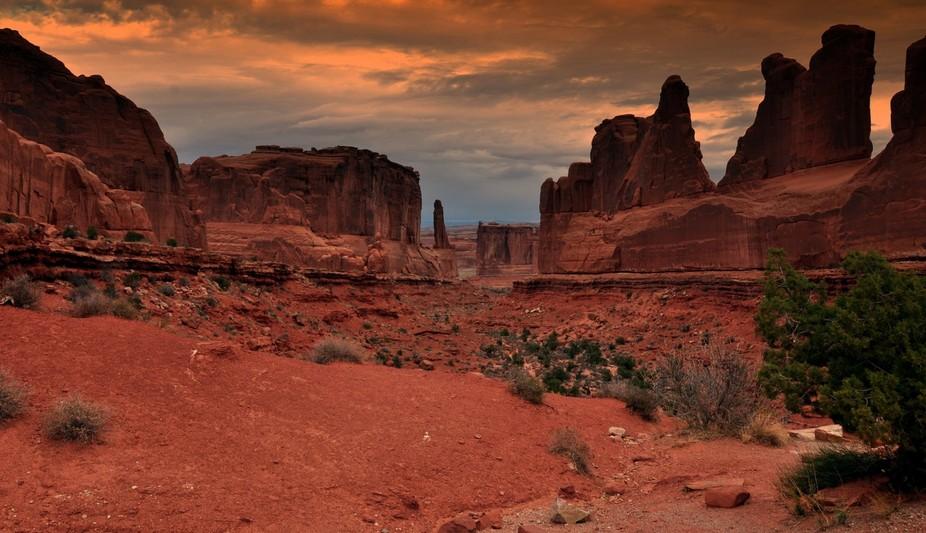 Arches - Moab Utah Park avenue sandstone canyon