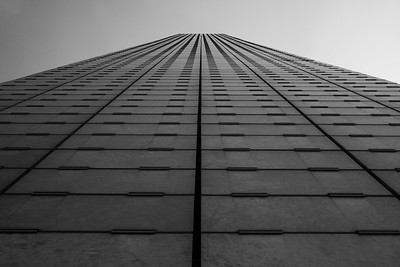 """Abstract: Serie Minimal Building. Monument """"The Trial of Light"""""""