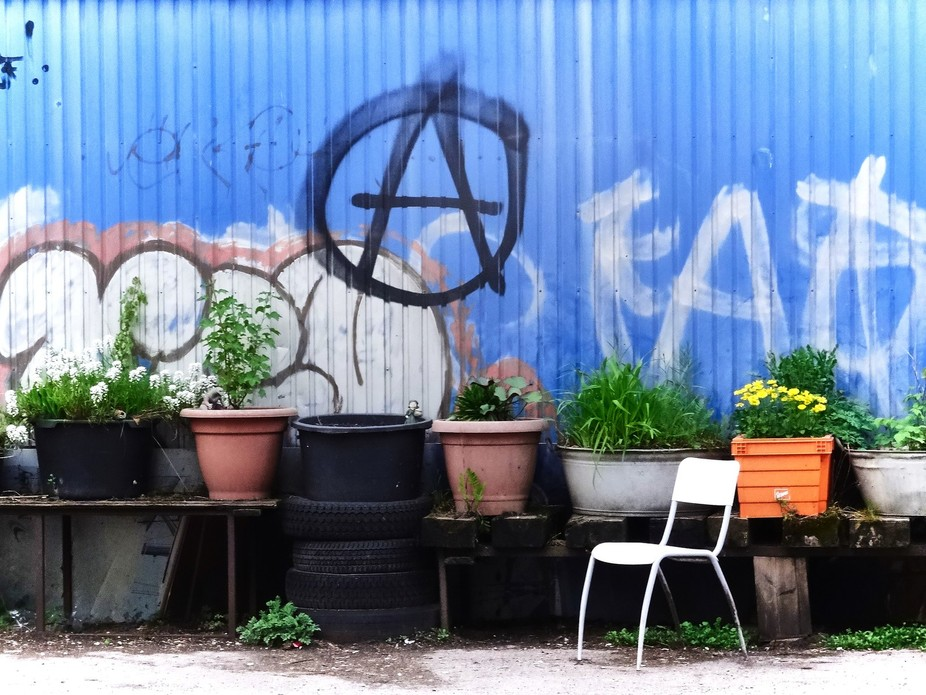 sit down, - it´s only Anarchy