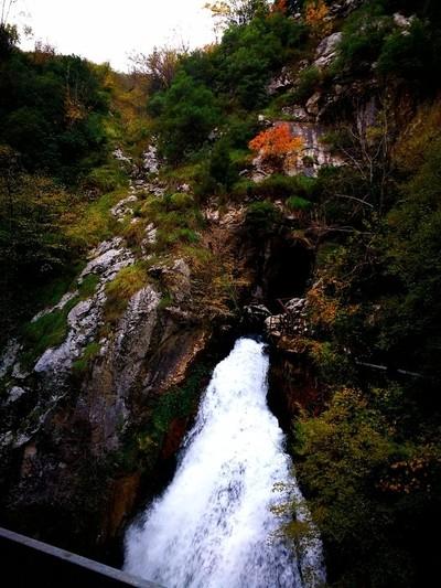 waterfall_and_canyon