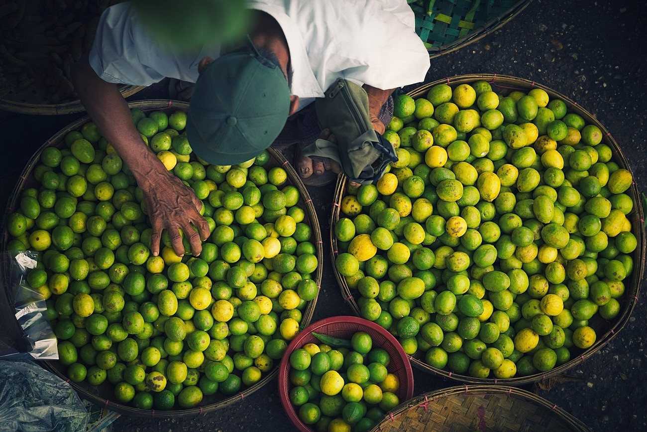 36 Cool Markets Captured By Creative Photographers