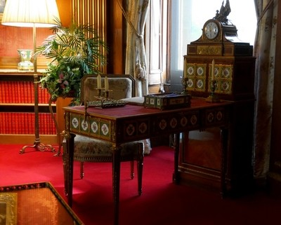 Marie Antoinette writting Desk