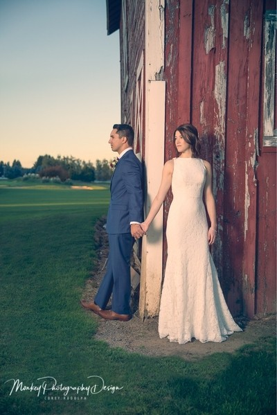 Love this old barn on one of the iconic golf courses in Oregon. What a special couple who realy are the true exmample of love.