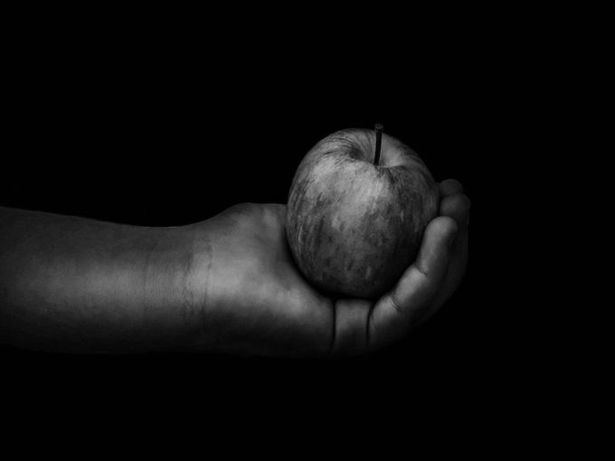 The Apple by alarafet - Social Exposure Photo Contest Vol 13
