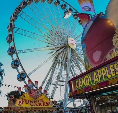 . . . . #ocfair #candyapples #funnelcakes #ferriswheel #rides #canonphotos #canonrebel #forahappymoment #thegoodlife #goodtimes  #costamesa #california #calilife