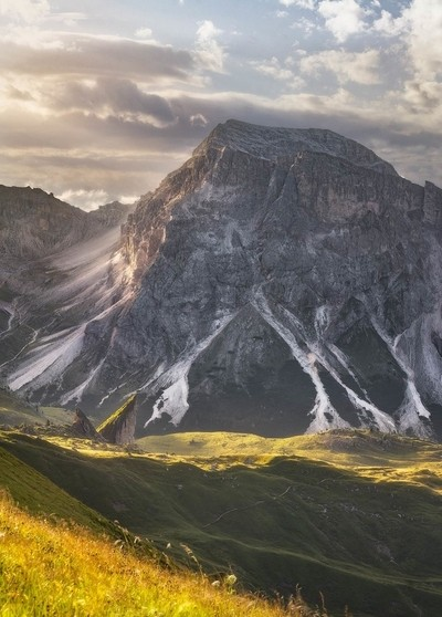 Twins peak and the big mother