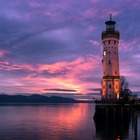 I was able to capture this beautiful sunset in Lindau at the harbor.