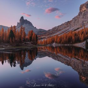 Tonight I'm returning back to my beloved Italy, with an hidden gem that you can find in the heart of the Dolomites: the Federa Lake, near Co...