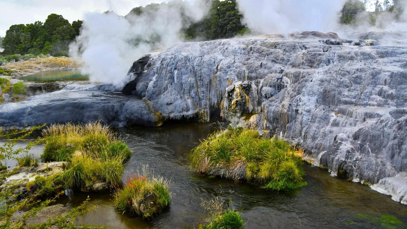 An active geyser and hot spring along the Whakarewarewa Geyser Terrace near Tauranga, Nw Zealand