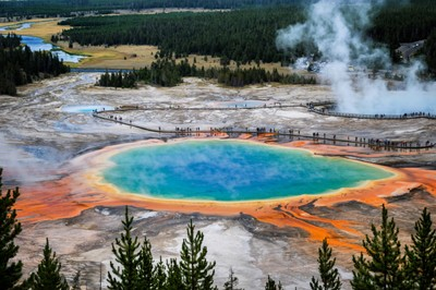 The breathtaking Grand Prismatic spring.