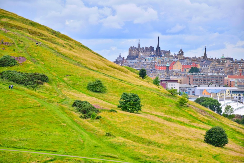 Edinburgh, Holyrood Park. Climbing up to Arthur's Seat