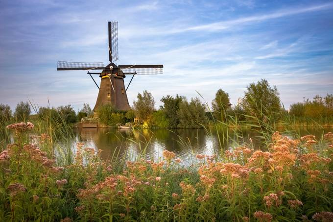 Kinderdijk Mill by Bertus_ZA - Windmills Photo Contest
