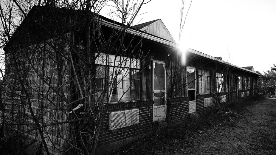 Found this old abandoned motel while driving and it definitely caught my eye.