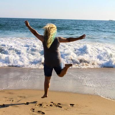 """Enjoy the little things."" . . . . . #beachlife #visualoflife #artofvisuals #flashesofdelight #beachvibes #beachbum #beachy #lagunabeach #orangecounty #ocs  #californialove #jj_california #canonphotos #canoneos #canonrebel #canonphotographer #fo"