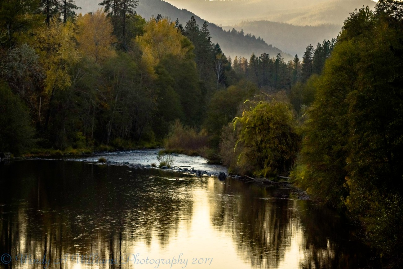 Catching the colors along the Applegate River in Southern Oregon at the beginning of winter.