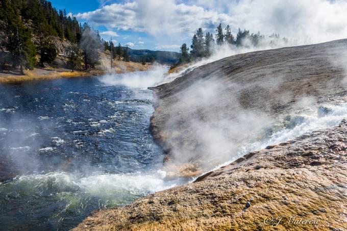 River Through Yellowstone Geyser Park 2