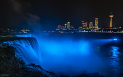 Niagara Falls At Christmas