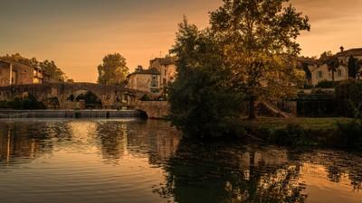 Autumn at the Old Bridge