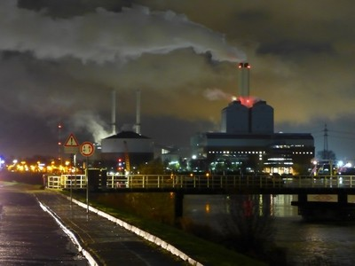 The Hamburg Tiefstack Electric Power Station at night