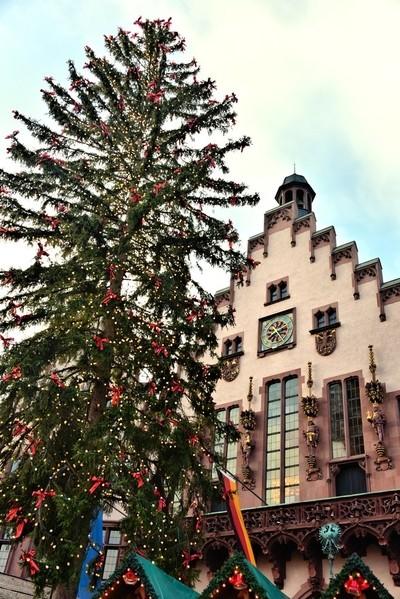 Christmas Market Tree