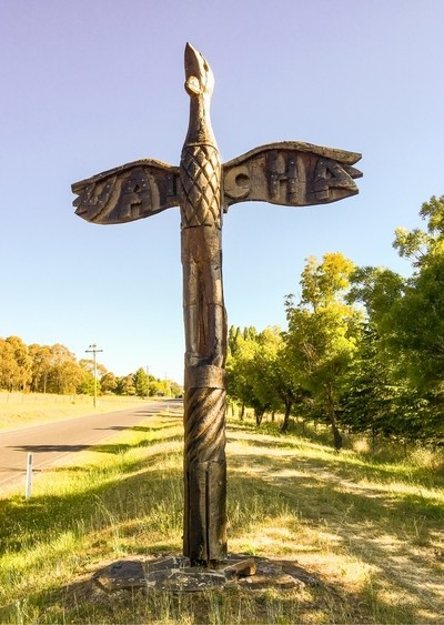 Welcome to Walcha Totem Polr