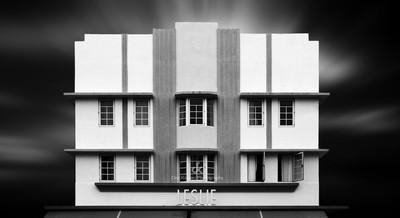 Beach Deco Leslie Building