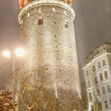 I took this photo when my wife and I were in Istanbul, in the year 2015. We were walking in the snow in Istanbul and we came to a large historical tower. It is called the Galata Tower and this was one of the photos I took that day.
